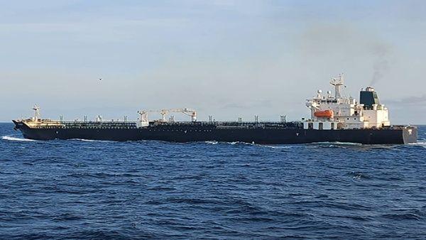 Arriba a puerto venezolano el segundo buque iraní con combustible