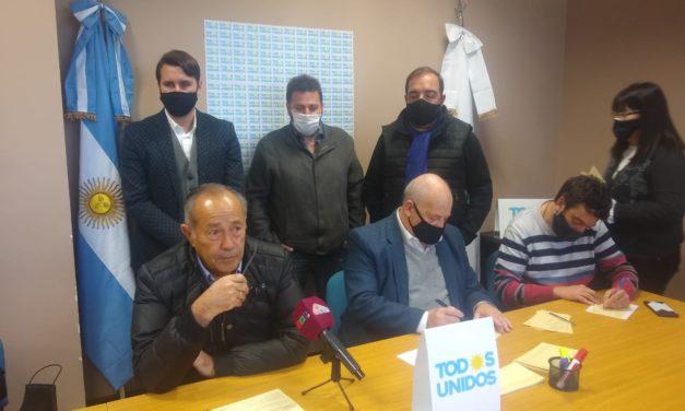 """Adolfo Rodríguez Saá presentó su nuevo partido político bajo la frase """"el verdadero peronismo"""""""
