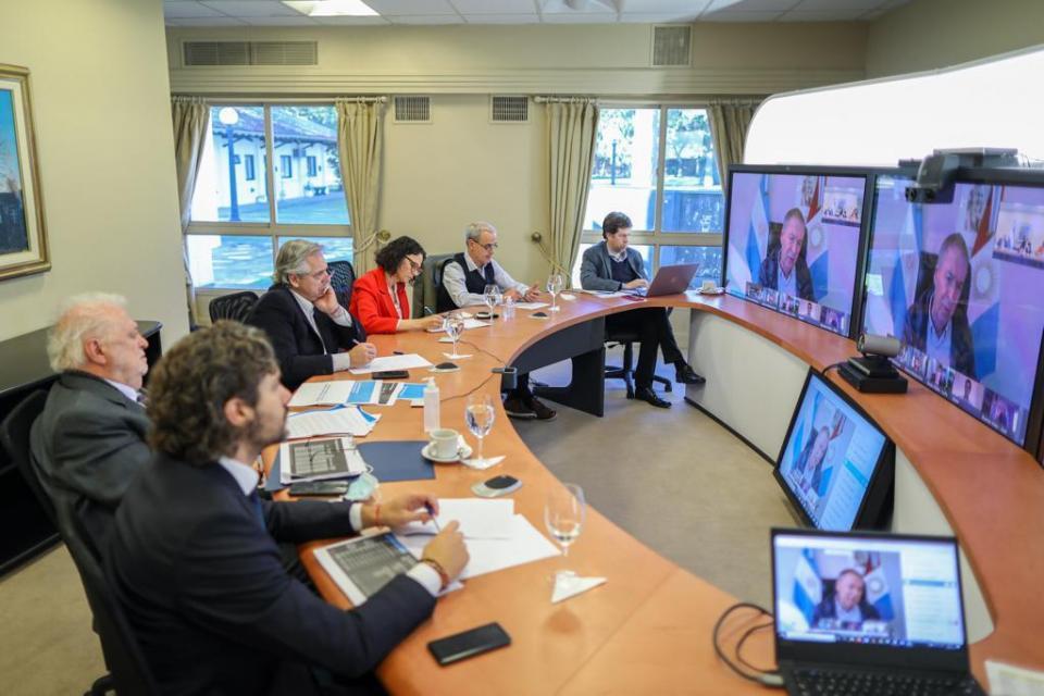 Alberto Fernández recibió el respaldo de los gobernadores para la prórroga