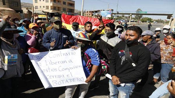 Denuncian detención de líderes sociales en Cochabamba, Bolivia