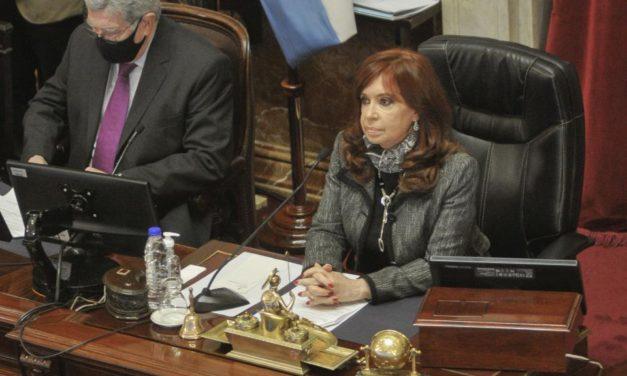 Cristina Kirchner: «El país todavía se debe una verdadera reforma judicial»