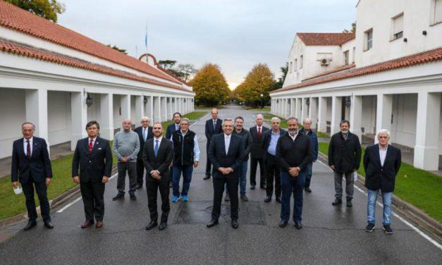 Alberto Fernández se reunió en Olivos con la UIA, la CGT y cámaras empresariales