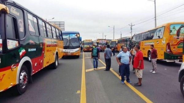 Transportistas realizarán movilización nacional en Ecuador