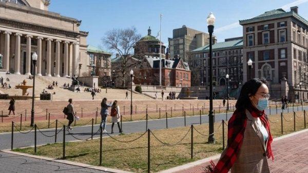 EE.UU. revoca suspensión de visas a estudiantes extranjeros