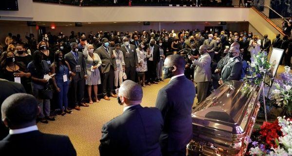 Realizan ceremonia para recordar a George Floyd en Mineápolis, EE.UU.
