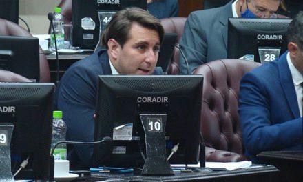 Juan Pablo Funes: «El gobierno no cumple con la ley de bomberos»