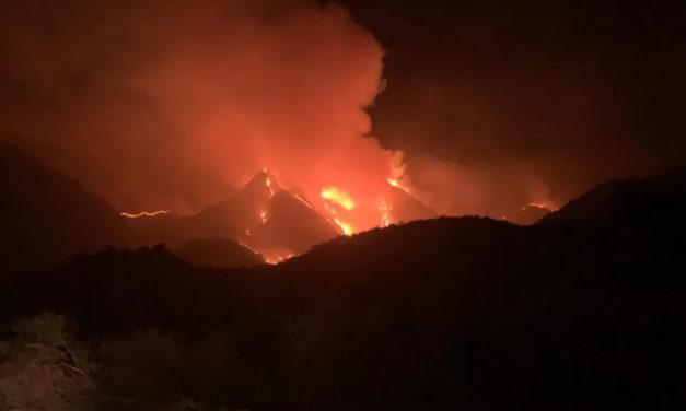 Más de 10 dotaciones trabajan en el incendio entre Nogolí y Valle de Pancanta