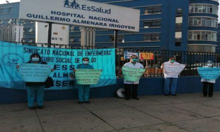 Personal médico en Perú pide renuncia de funcionarios de salud