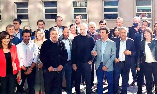 Poggi junto a los dirigentes de Juntos por el Cambio lanzaron la campaña para noviembre