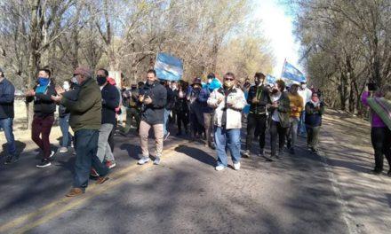 Productores cortan ingresos a la Provincia en La Punilla y amenazan Justo Daract