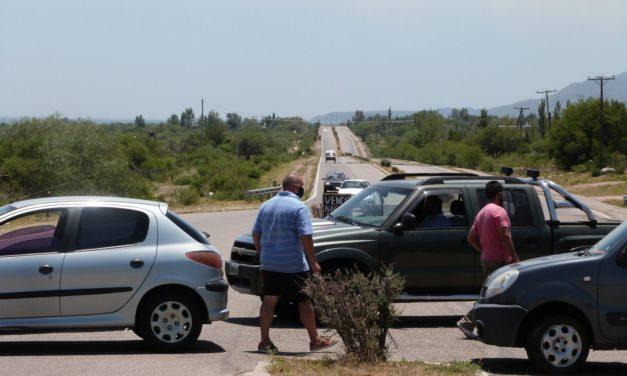 El Suyuque: Vecinos cortaron la ruta en reclamo por la falta de agua