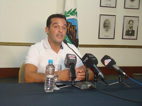 Tamayo le quiere bajar los impuestos a los casinos de San Luis