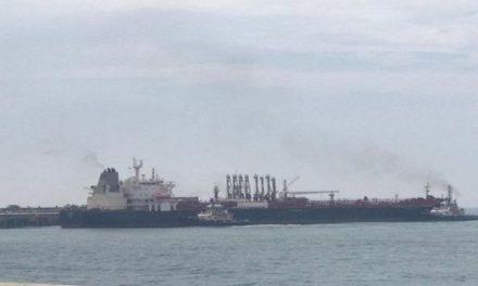 Tercer buque iraní llega a refinería venezolana El Palito